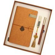 实用笔记本+窗花U盘8G+木纹笔三件套礼盒套装 精致点的小礼品